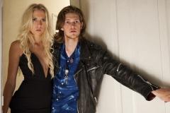 Jimmy og Louise_Clean - Lad De Døde Hvile (c) 2018 PURE FICTION FILM fotograf Sune Tølløse